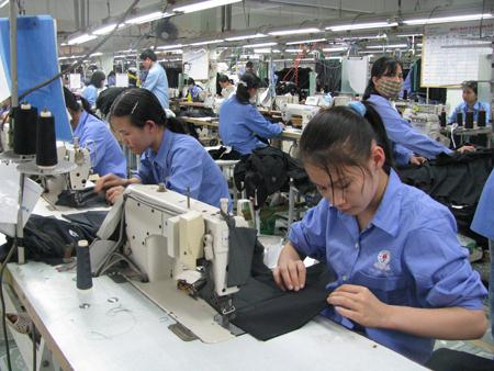 Is Vietnam's productivity low because Vietnamese work for