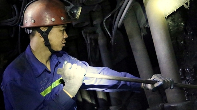 Vietnam deals with pressure to improve labour productivity